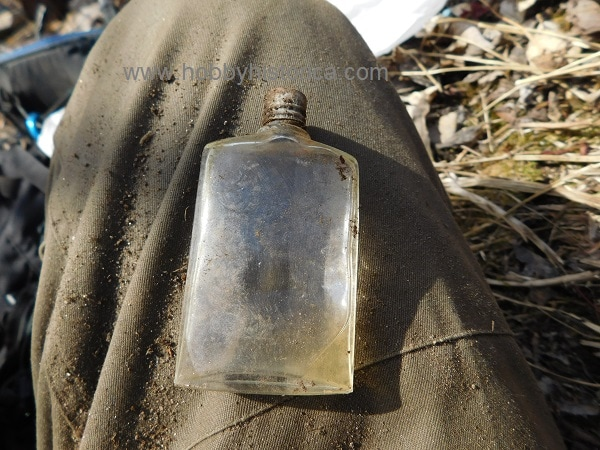 hobbyhistorica ww2 expedition gasmask mountain wehrmacht dump site german perfume ww2